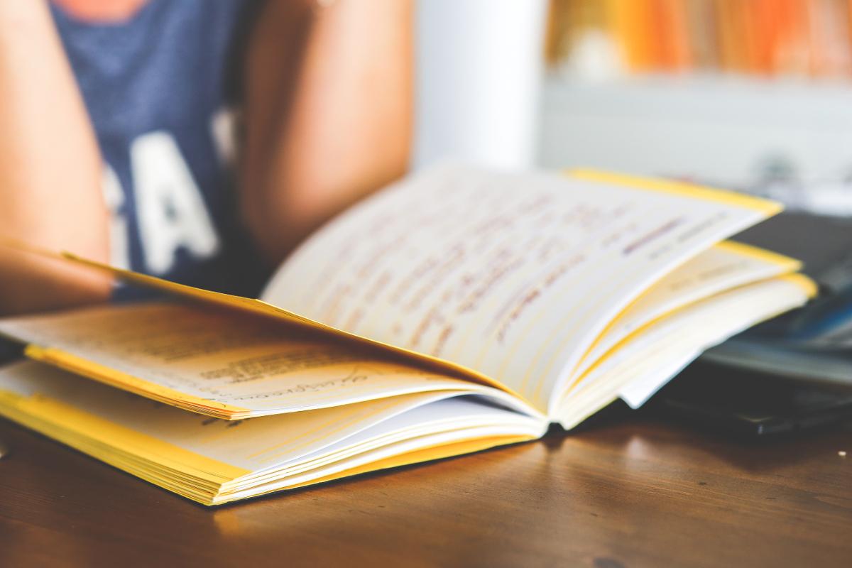 زبان و ادبیات